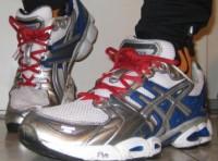 Asics hardloopschoenen met rode veters