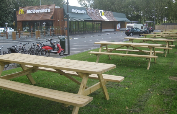picknicktafels mc donalds