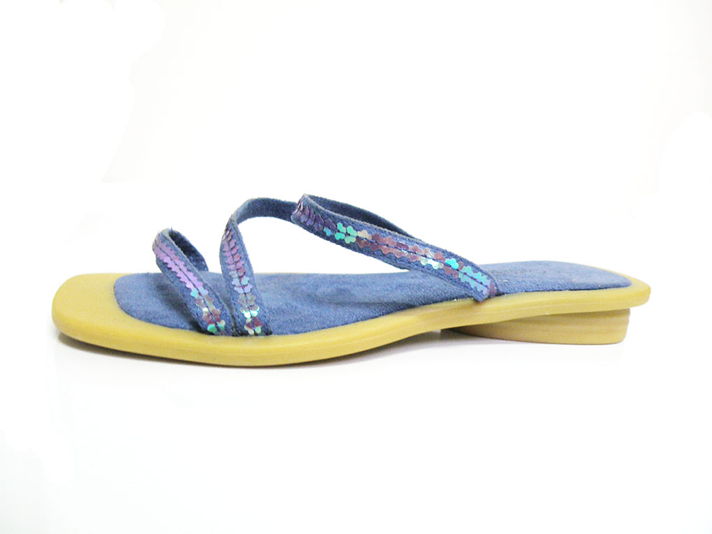 http://myshop.s3-external-3.amazonaws.com/shop1529500.pictures.Catherina_9942.jpg