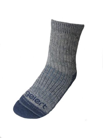 http://myshop.s3-external-3.amazonaws.com/shop1529500.pictures.Gelert-womens-wander-sock-damessokken-ondersteuning-wandelen.jpg