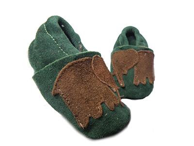 http://myshop.s3-external-3.amazonaws.com/shop1529500.pictures.Jobe-groene-babyslofjes-olifanten-goedkoop-baby-spullen-schoenen.jpg