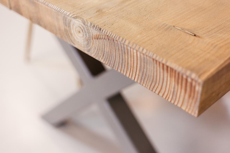 Massief Houten Tafel : Houten bureau op maat praktisch voor thuis en op de zaak