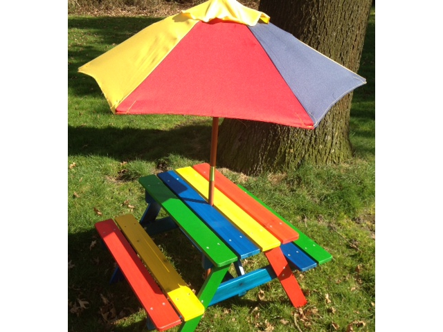 <B>MET VROLIJKE PARASOL</B>