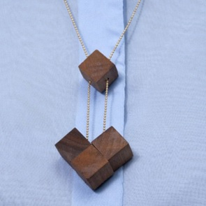 4 blocks ketting Walnoot*