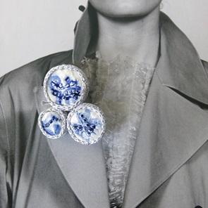 Broche delftsblauw en zilver