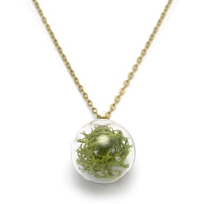 Necklace green moss
