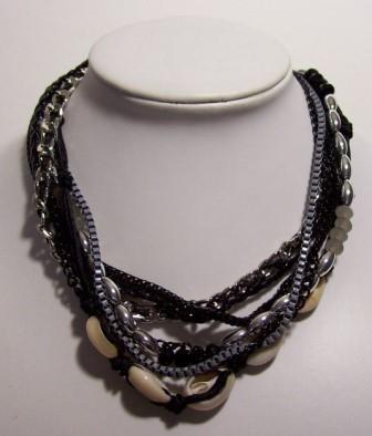 http://myshop.s3-external-3.amazonaws.com/shop3322600.pictures.K843.jpg