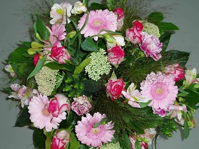 http://myshop.s3-external-3.amazonaws.com/shop3363900.pictures.Boeket6_groot.jpg