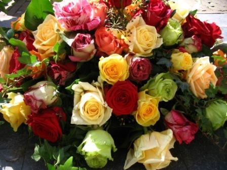 Handgebonden gemengde rozen