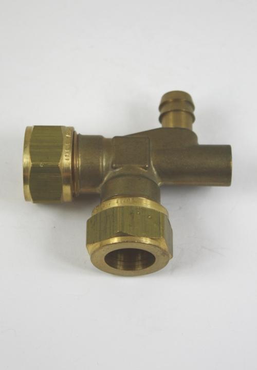 Messing KNIE 15-15 mm met aftapkraan