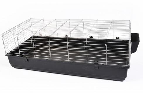 140 konijnen kooi zwart  1 hoekje afgebroken