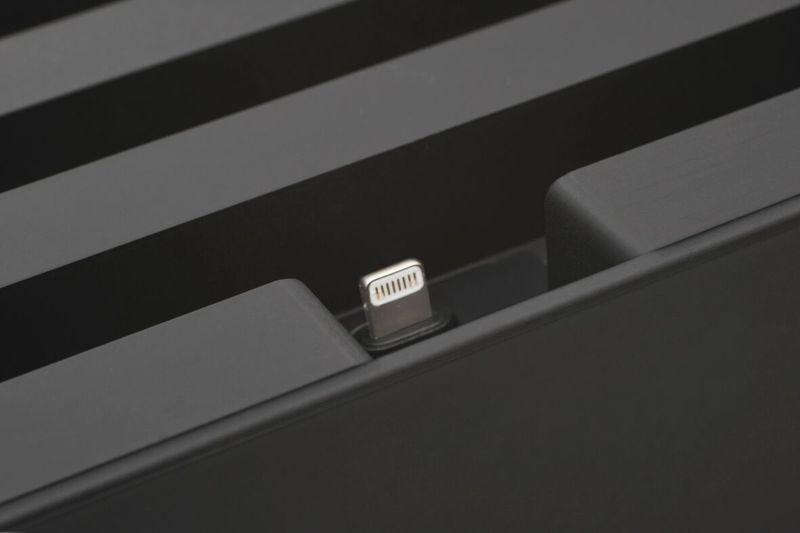 ALLDOCK Adapter ClickIn Schwarz, mit MFI USB-Kabel