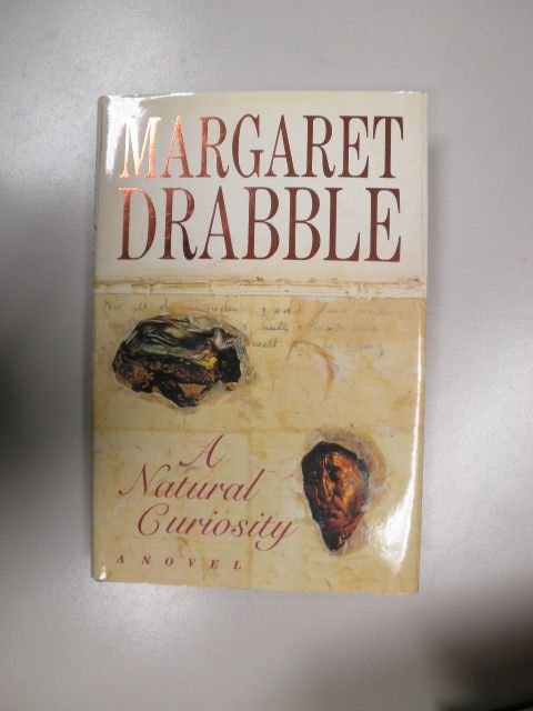Drabble, Margaret - A natural curiosity