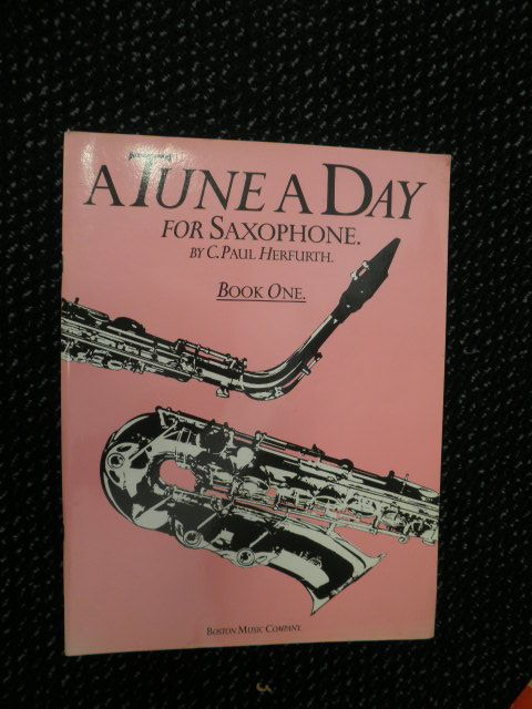 Herfurth, C. Paul - A tune a day for Saxophone. Book one