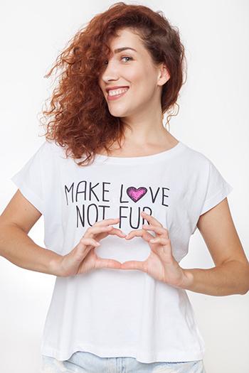 T-shirt Make Love Not Fur