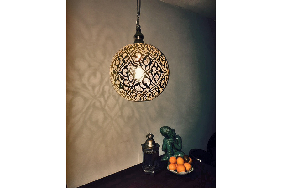 XL Arabische lamp Isra boven tafel