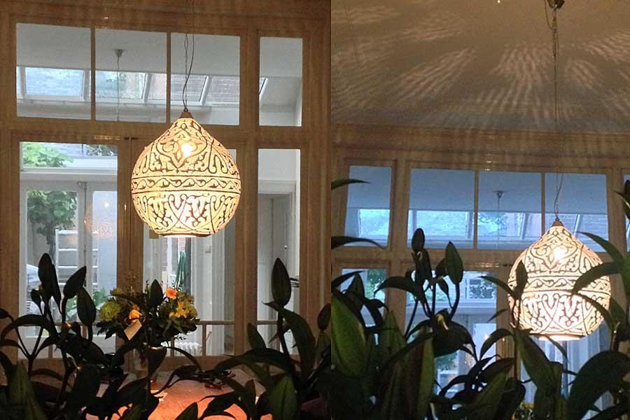 Grote hanglamp Haifa boven eettafel