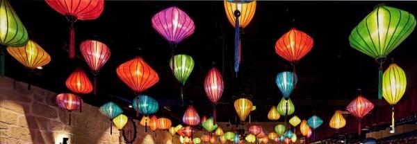 Stimmungsvolle asiatische Deckenbeleuchtung