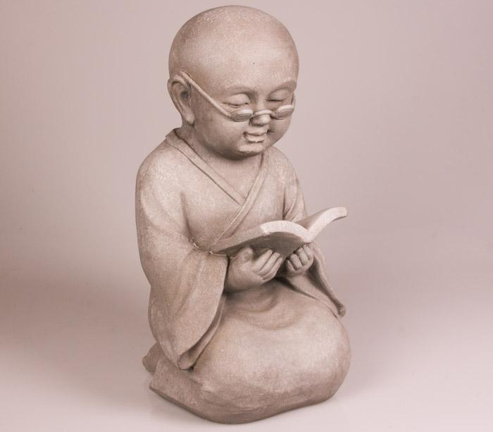Shaolin monnik beeld met boek