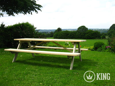 <BIG><B>ROYAL KING &#174; Picknicktafel 240 cm / 4.5 cm dikte</B></BIG>