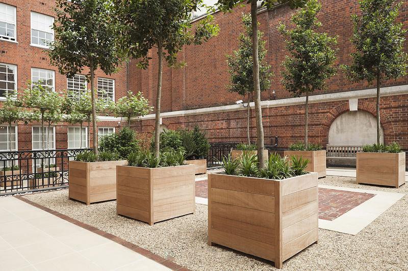 Plantenbakken hout voor binnen en buiten