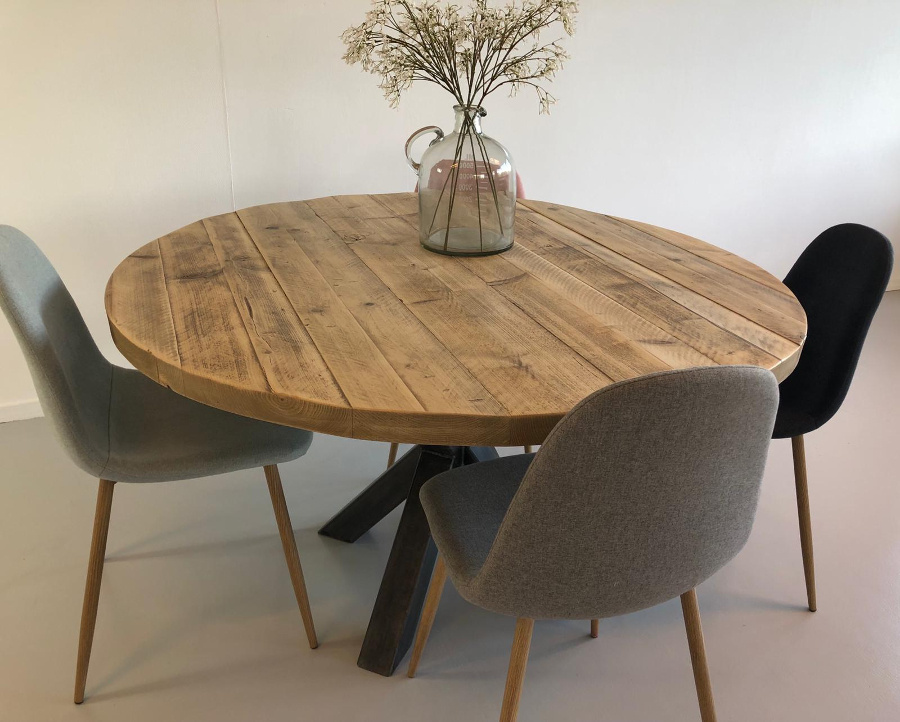 Massief Houten Tafel : Ronde houten eettafel senn massief houten tafel met spinpoot
