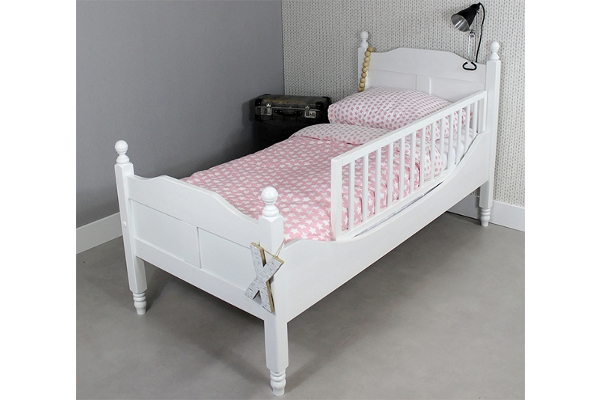 https://myshop.s3-external-3.amazonaws.com/shop2329900.pictures.Peuterbed%20Amalia%20Incl%20hekje.jpg
