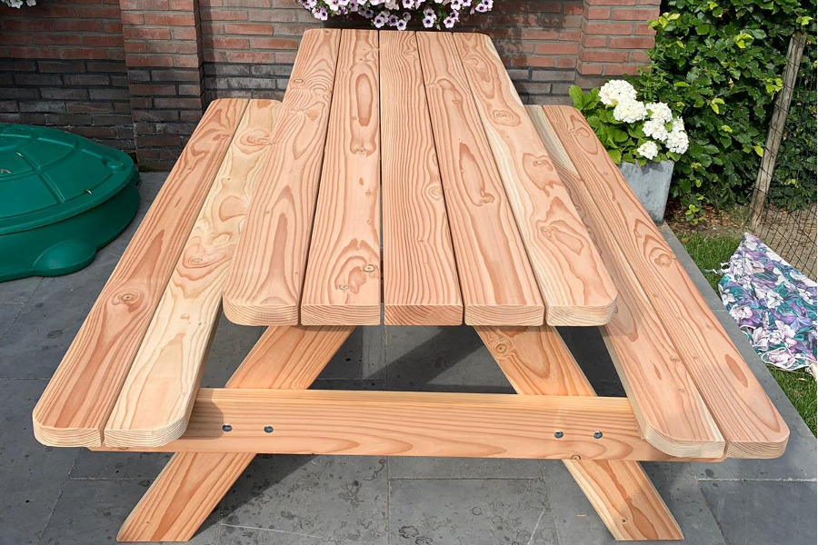 <BIG><B>PICKNICKTAFEL DANDY DOUGLAS</B></BIG>