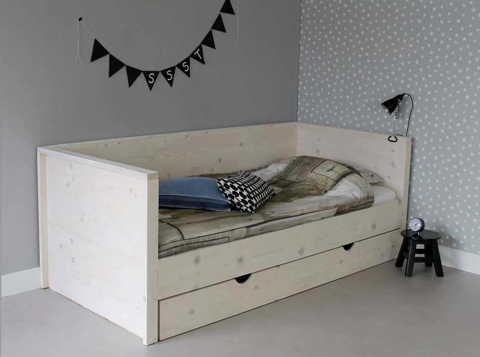 lit enfant acheter lit enfants 100 bois massif. Black Bedroom Furniture Sets. Home Design Ideas