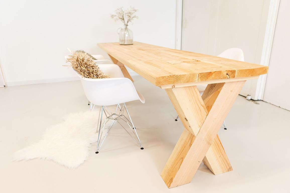 https://myshop.s3-external-3.amazonaws.com/shop2329900.pictures.douglashout-tafel-gemak-PLF.jpg