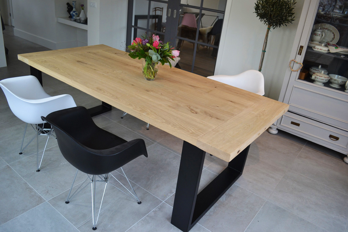 https://myshop.s3-external-3.amazonaws.com/shop2329900.pictures.eettafel-exclusief-krachtig-2.jpg