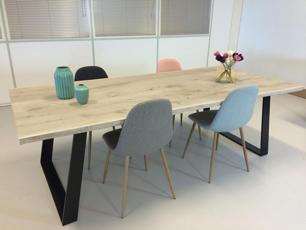 https://myshop.s3-external-3.amazonaws.com/shop2329900.pictures.eikentafel-alrik-houten-tafel-plf.jpg