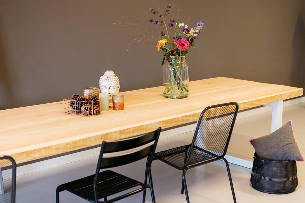 Massief Houten Tafel : Houten tafel op maat uit massief hout zware tafels tip