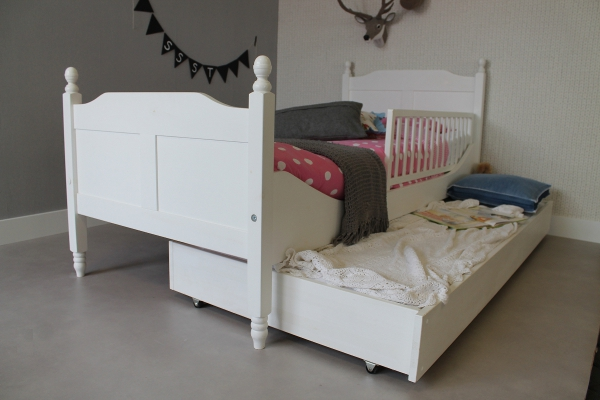 https://myshop.s3-external-3.amazonaws.com/shop2329900.pictures.kinderbed%20amalia%2090x200%20_%20slaaplade%20_%20bedhekje.jpg