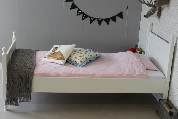 https://myshop.s3-external-3.amazonaws.com/shop2329900.pictures.kinderbed%20melissa%2090x200.jpg