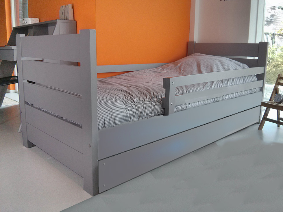 https://myshop.s3-external-3.amazonaws.com/shop2329900.pictures.kinderbed-millymo-90x200cm-grijs-PLF2.jpg
