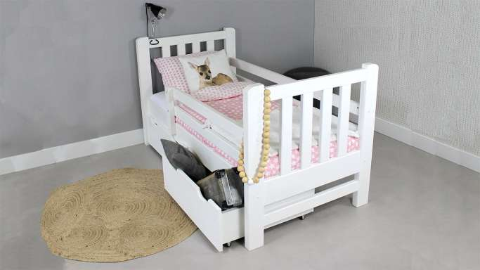 https://myshop.s3-external-3.amazonaws.com/shop2329900.pictures.myshop-medium-kinderbed-tim-wit-90x200-massief-grenen.jpg