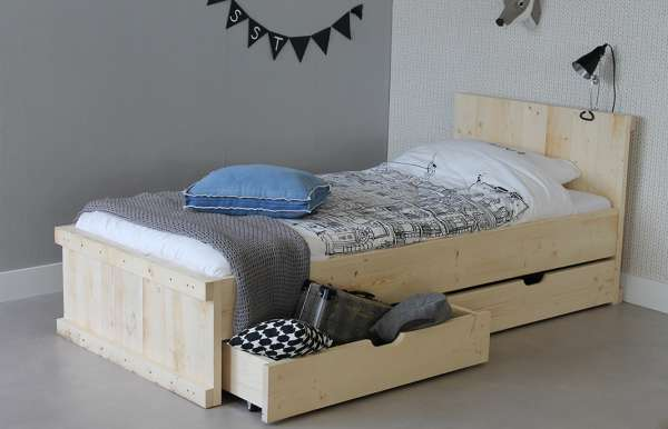 https://myshop.s3-external-3.amazonaws.com/shop2329900.pictures.myshop-medium-steigerhouten-bed-michael-90x200cm-2lade-plf.JPG