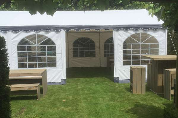 https://myshop.s3-external-3.amazonaws.com/shop2329900.pictures.myshop-medium-verhuur-partytent-5x8m.jpg