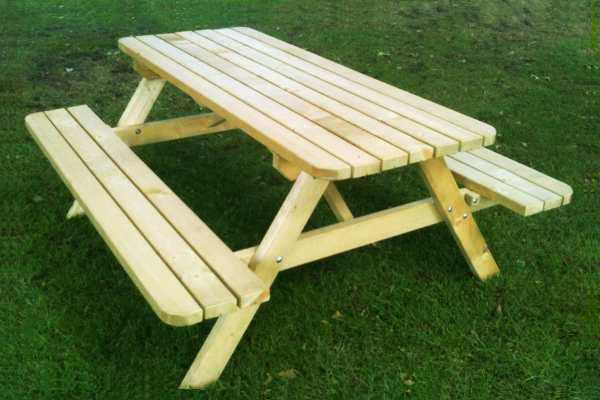 https://myshop.s3-external-3.amazonaws.com/shop2329900.pictures.picknicktafel%20herfst1.JPG