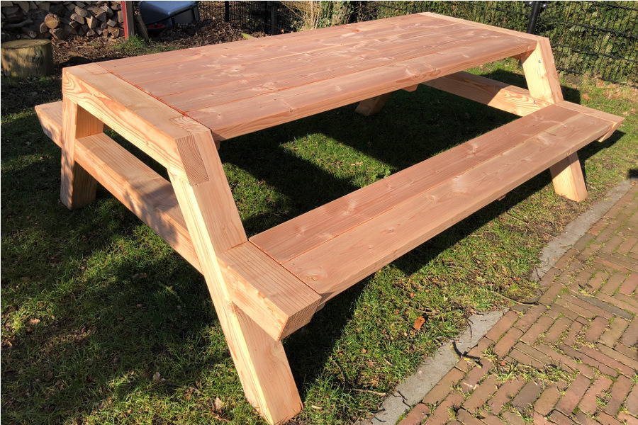 <BIG><B>PICKNICKTAFEL DOUGLAS BIG FOOT 2.50m/12cm dikte</B></BIG>