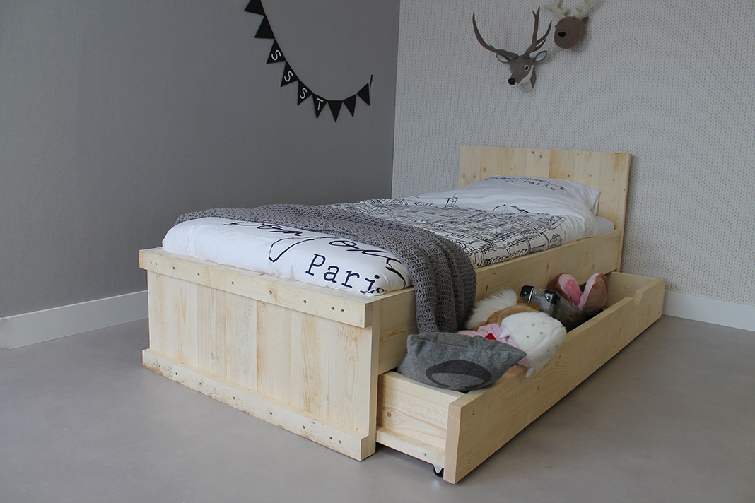 https://myshop.s3-external-3.amazonaws.com/shop2329900.pictures.steigerhouten-bed-michael-90x200cm-combilade-plf.JPG
