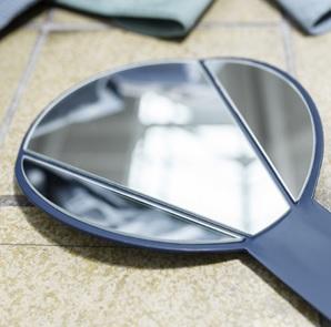Split hand mirror