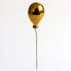 Balloon brooche gold