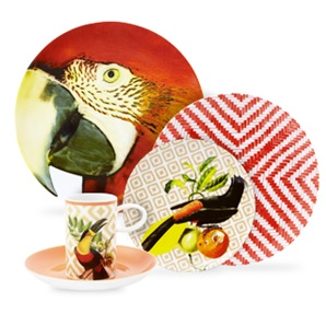 Bird and fruit plate