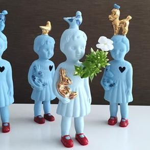Blauw popje blauwe duif