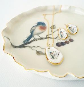 Necklace bird Robin