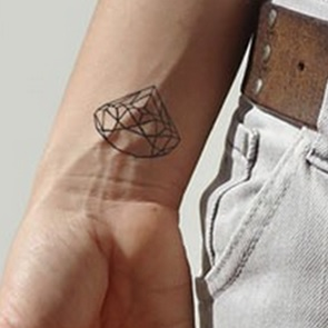 Diamant tattoo*