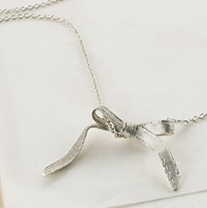 Necklace Bow