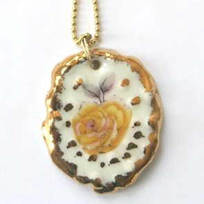 Necklace with yellow flower